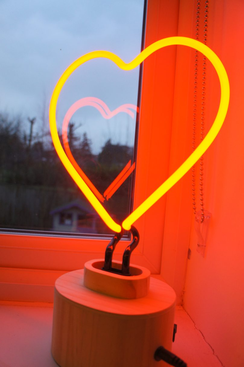 Gingersnap Lumosnap red neon love heart table lamp