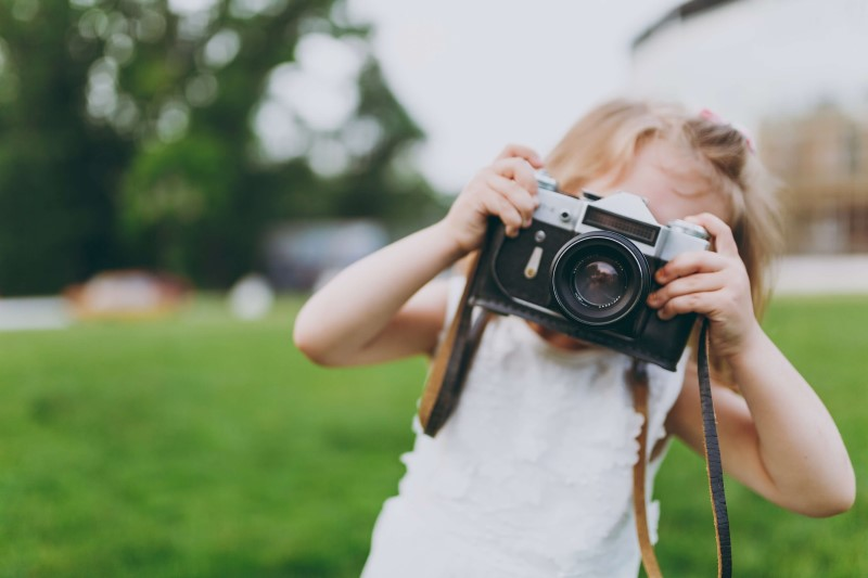5 Simple Tips For More Natural Family Photos